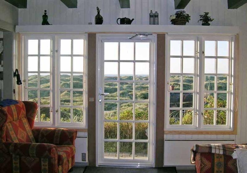 Småsprossede vinduer til det klassiske sommerhus